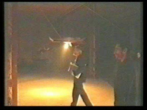 video performance realizada por el grupo fosa en el museo de arte moderno…