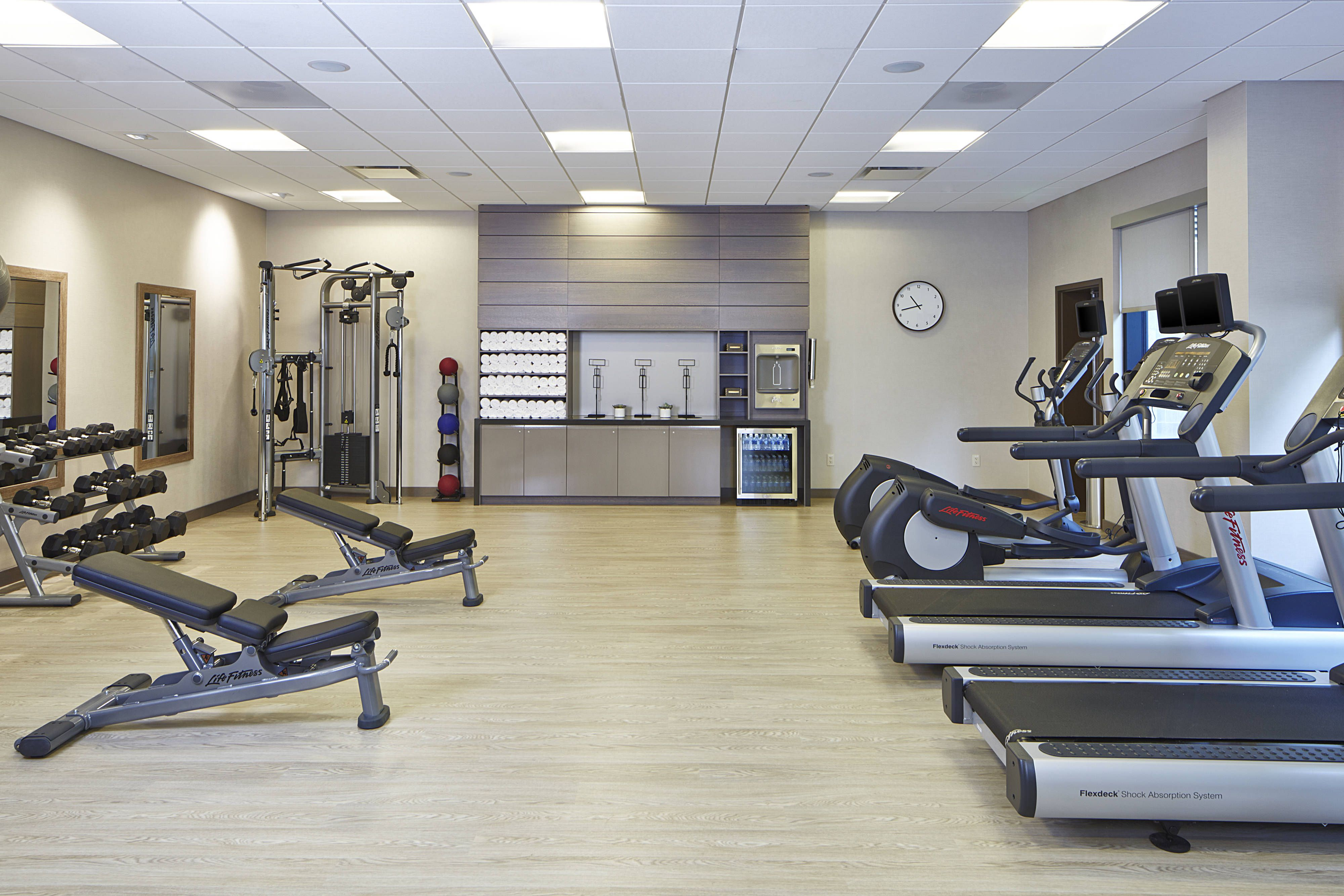 Ac Hotel Seattle Bellevue Downtown Fitness Center Relax Comfort Beautiful Seattle Hotels Ac Hotel Hotel