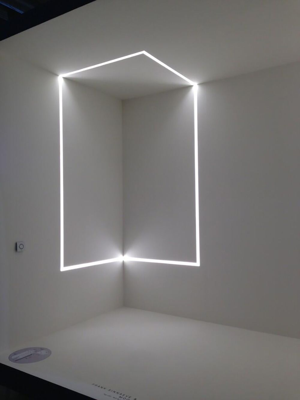Ideas de decoracin e iluminacin con tiras de LEDs  Tiras de LEDs en 2019  Iluminacin Iluminacin lineal y Iluminacin indirecta