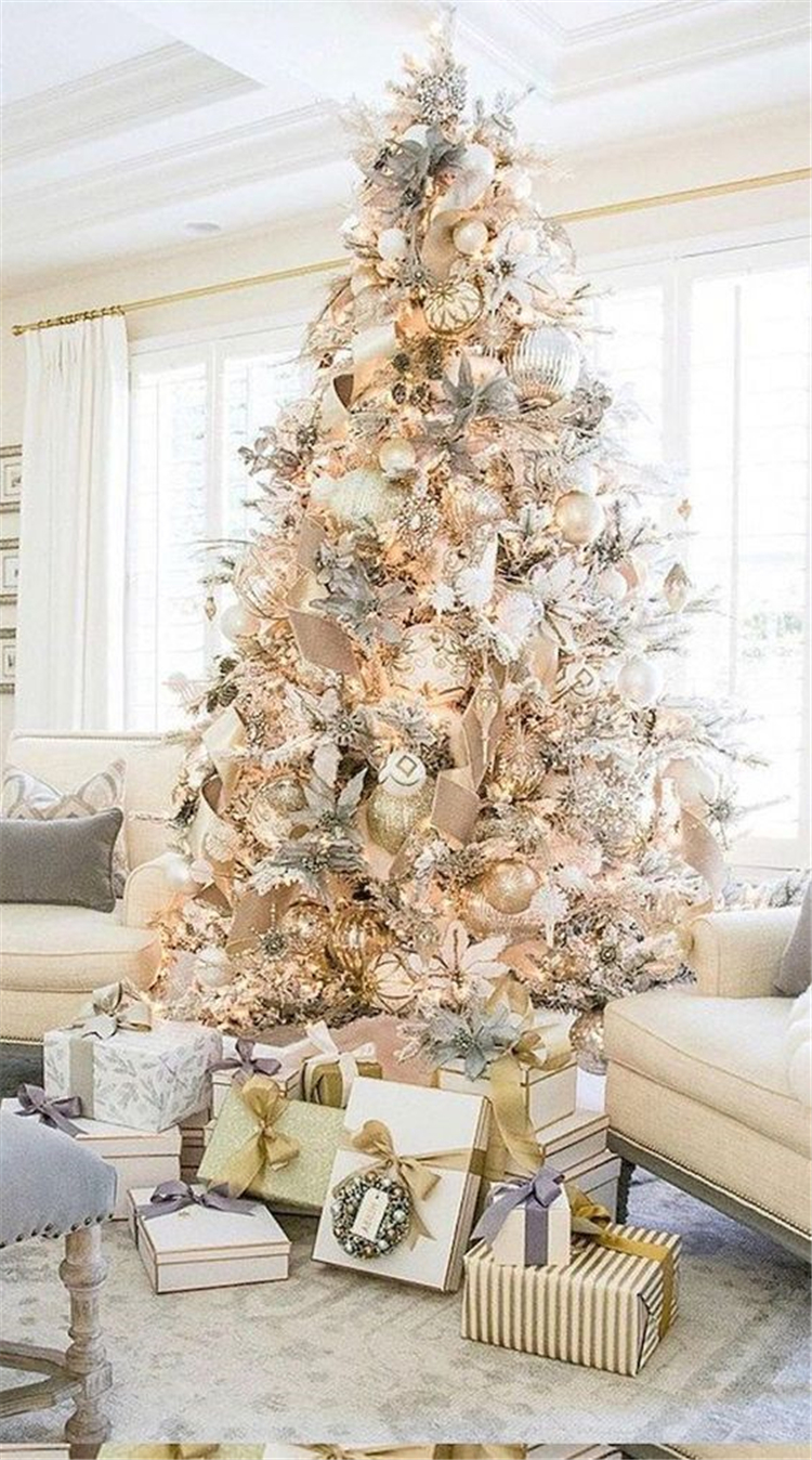 60 Trendy And Gorgeous Christmas Tree Decoration Ideas You Would Love - Page 59 of 60 - Women Fashion Lifestyle Blog Shinecoco.com #ribbononchristmastreeideas