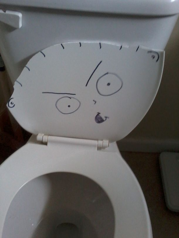 Toilet Seat Broke So Funny Picture Gallery Funny Pictures