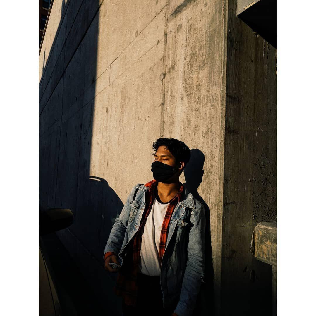 City rat . . . . . . . . . #blackandwhitephotography #vsco #dmvphotography #dmvcreators #creativeoptic #agameoftones #camera #selfphotography #skateboard #skate #skaterboy #retrophotography #aesthetic #tones #photooftheday #photographydaily #photographysouls #📸 #creator #powertothecreatives #streetmeetdc #streetphotography