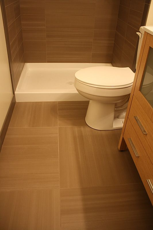 Small Master Bathroom Using 24 Quot X 24 Quot Tiles Looks Great