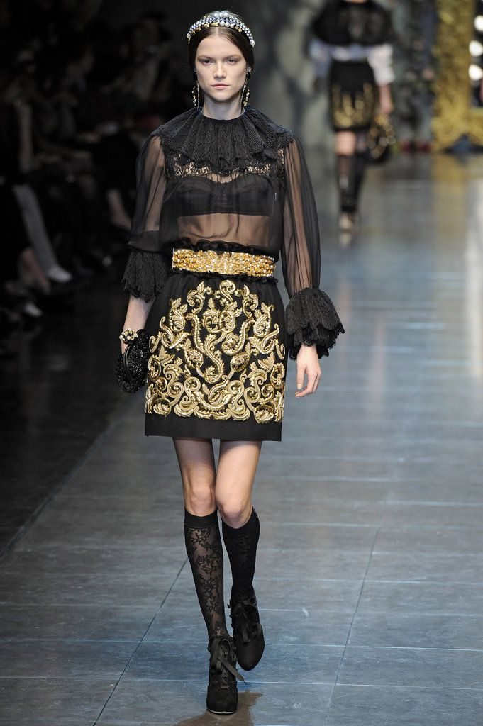 Dolce & Gabbana Runway Fall 2012 Photo 34