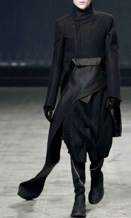 Rick Owens AW 2012 #fashion #avantgarde #dark #Minimal #simple #black #trends #style #wearing #runway #fashionweek