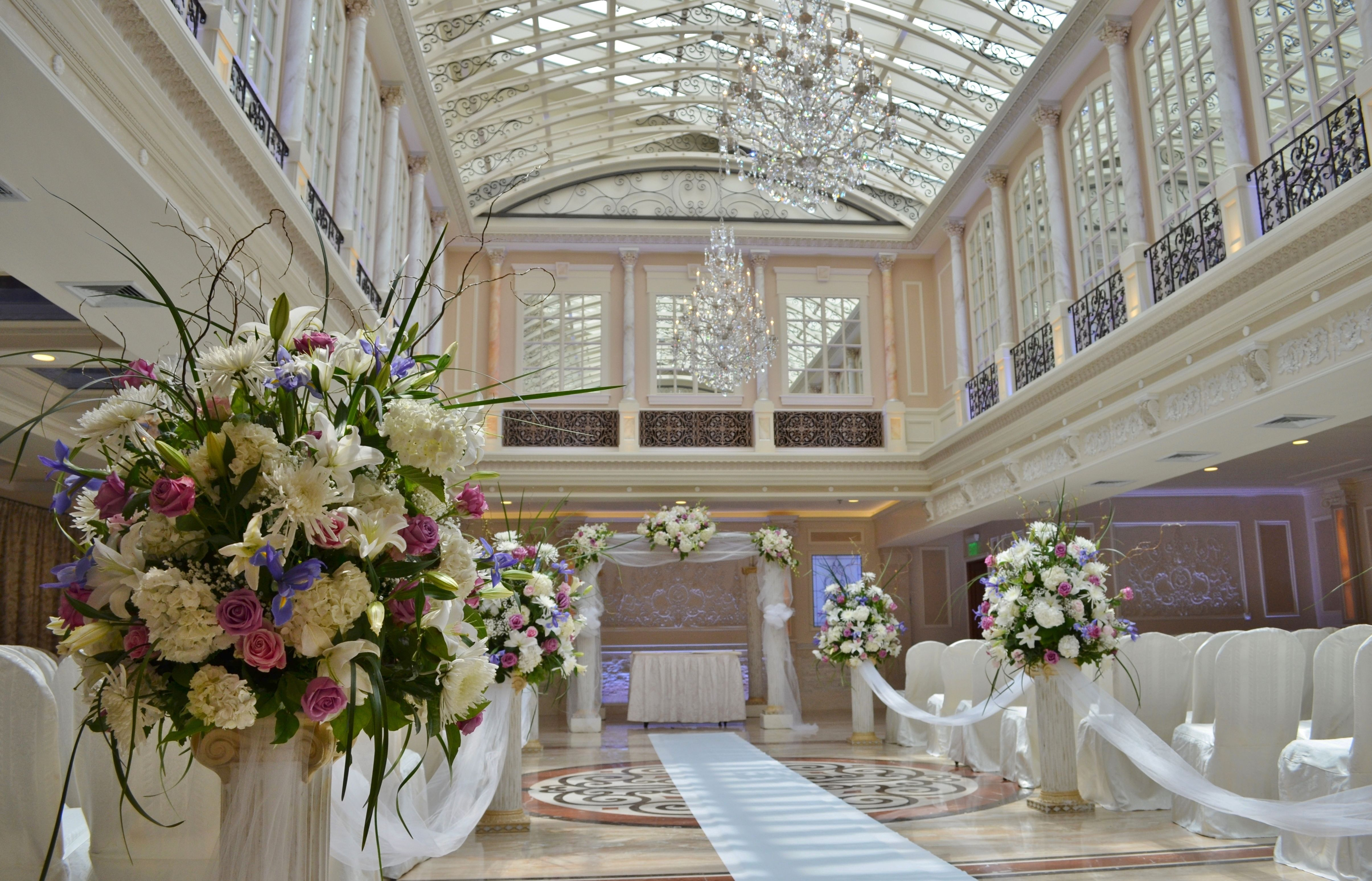 Indoor Or Outdoor Wedding Ceremony Some Facts To Help You: Combine The Elegance Of An Outdoor Ceremony With The