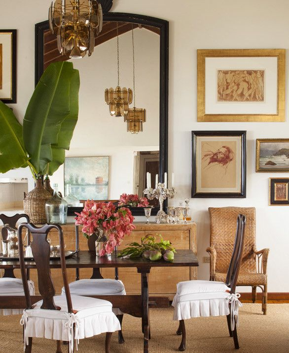 20 Tropical Dining Room Ideas For 2018: Note The Raw Wood Sideboard! Love The Large Mirror And