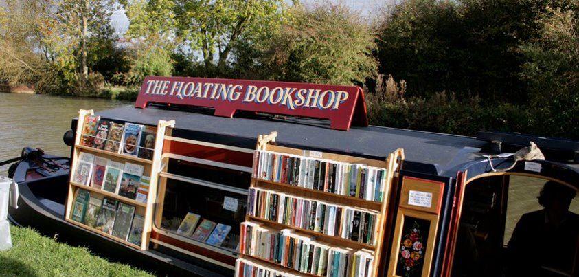 Libreria dell'usato in un canale nella contea di Leicestershire (Inghilterra) - https://www.facebook.com/LibriUsatiAntichi #UK #bookshop