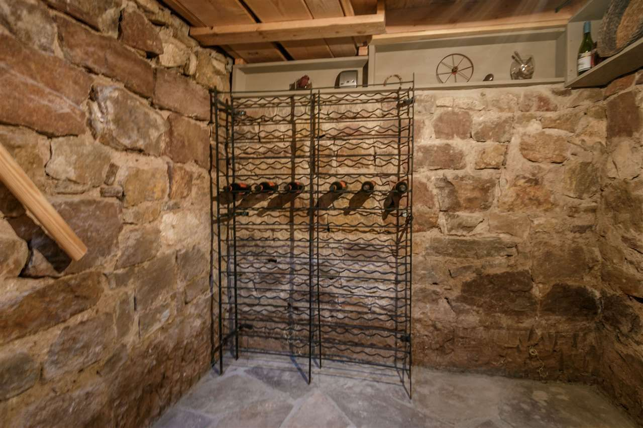 855 E Palace Ave, Santa Fe, NM 87501 | MLS# 201703089 | Redfin - STONE WORK/STONE ROOM