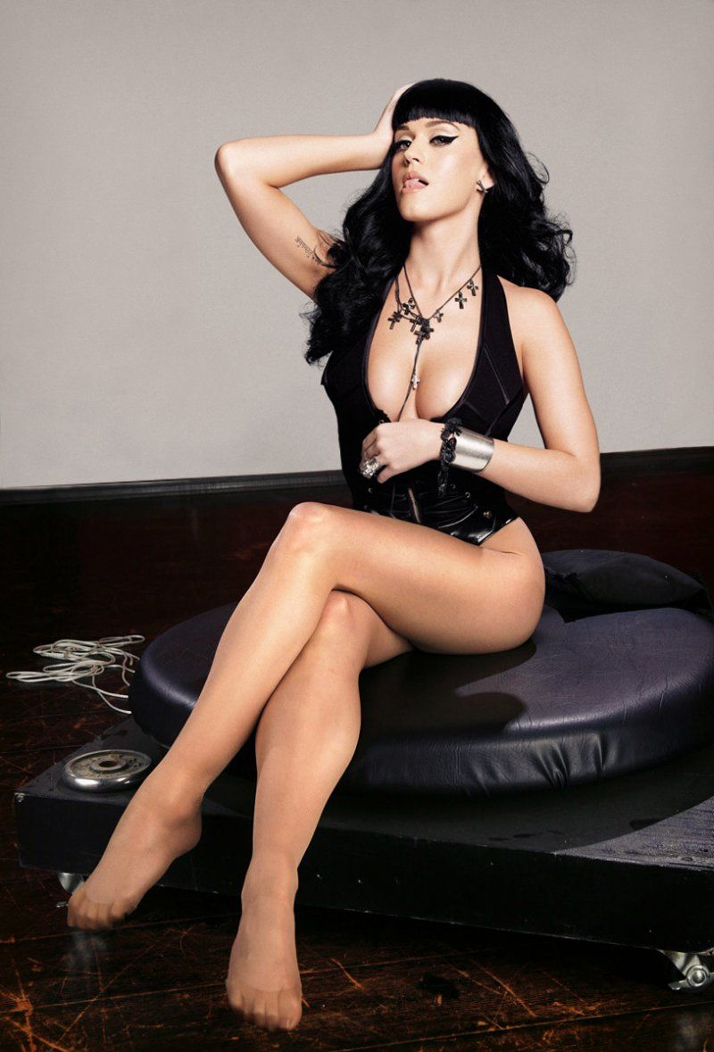 Katy Perry S Legs And Feet 23 Sexiest Celebrity Legs And