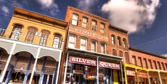 Built In 1876 The Silver Queen Hotel Virginia City Nv Is A Historic Landmark With Haunted Retion Staff Guests And Countless Paranormal