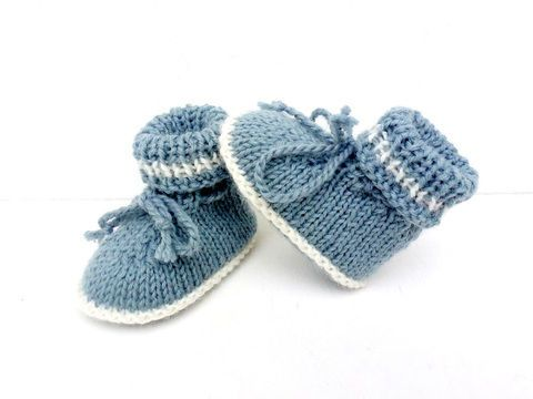 f5804ee9adf0b Chaussons bébé tailles 1  3  6 mois