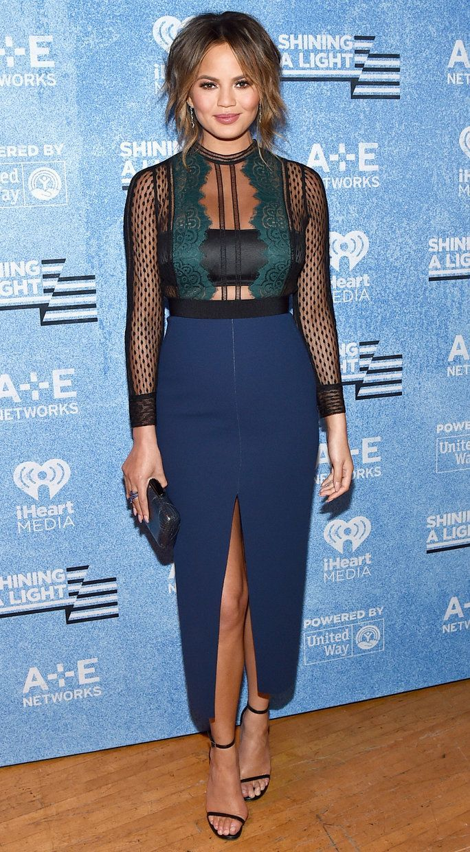 See sun shining through dress - Chrissy Teigen Wowed In A Figure Hugging Dress By Self Portrait At A E S Shining A