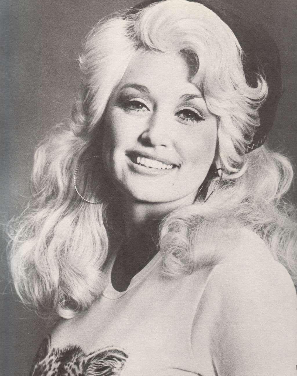 Young Dolly Parton in Tank Top | Dolly parton pictures, Dolly parton ...