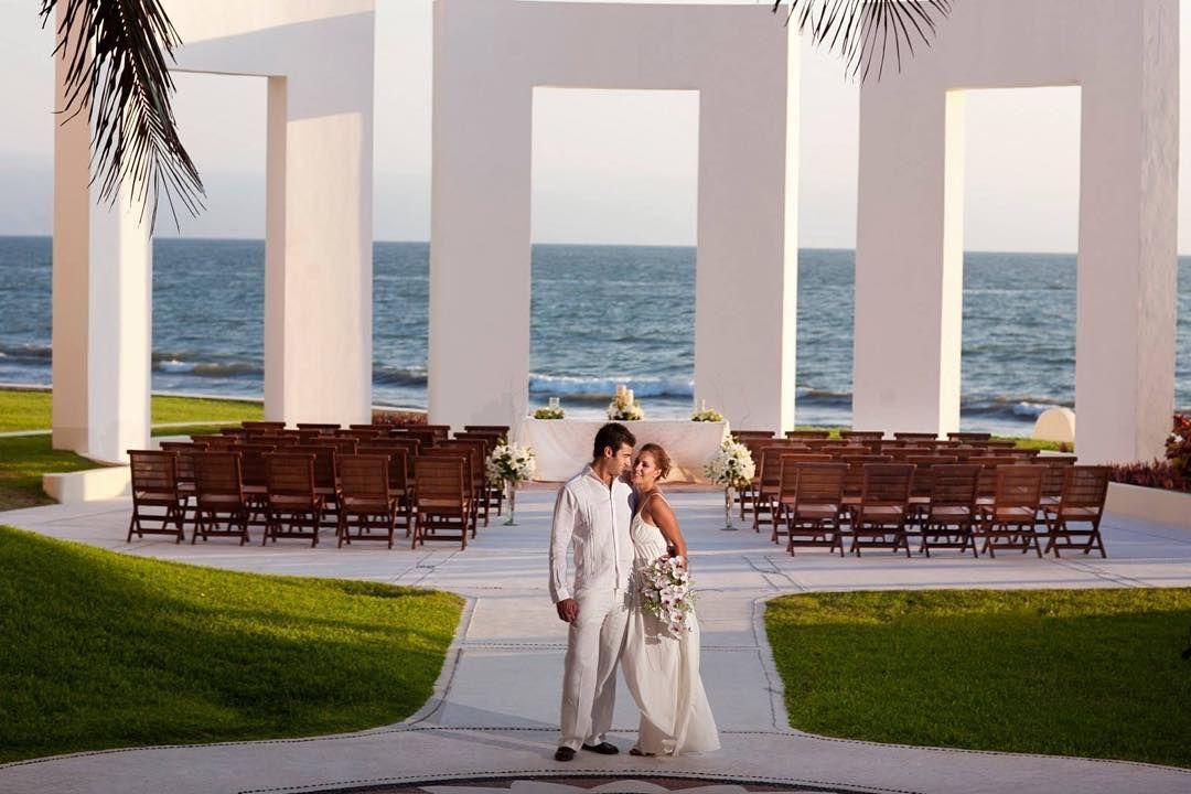 #WeddingWednesday El lugar perfecto para tu día soñado #GrandVelas #RivieraNayarit by grandvelasnay