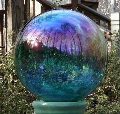 17 Best images about Gazing Balls Garden Globes on Pinterest