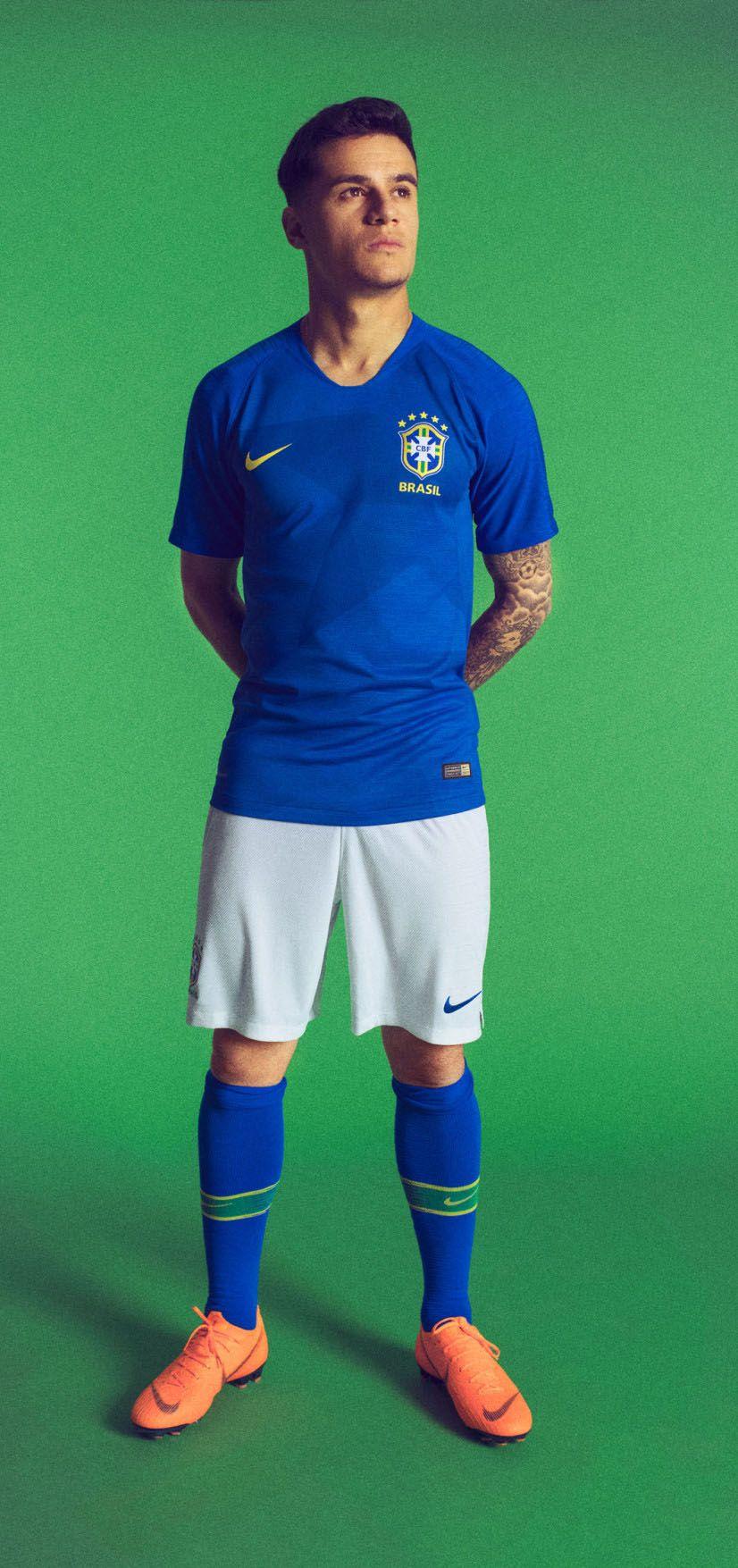Nike lança uniformes e camisas da seleção brasileira para a Copa do ... d7fe2ddba4971