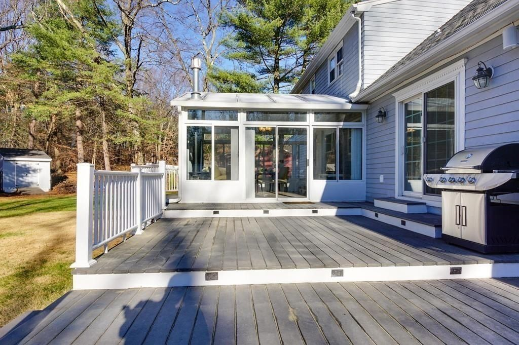 Traditional Deck With Outdoor Kitchen Screened Porch Screened Porch Outdoor Kitchen Deck
