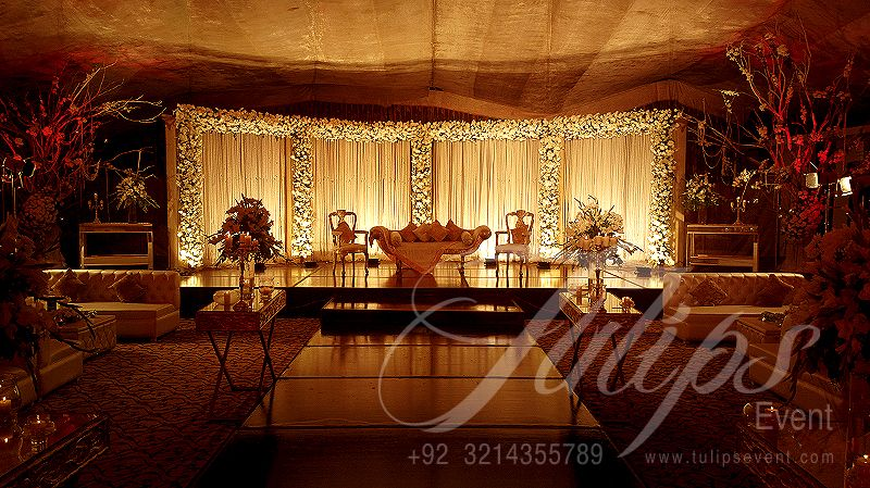 A Class Grand Outdoor Wedding Baraat Stage Decoration