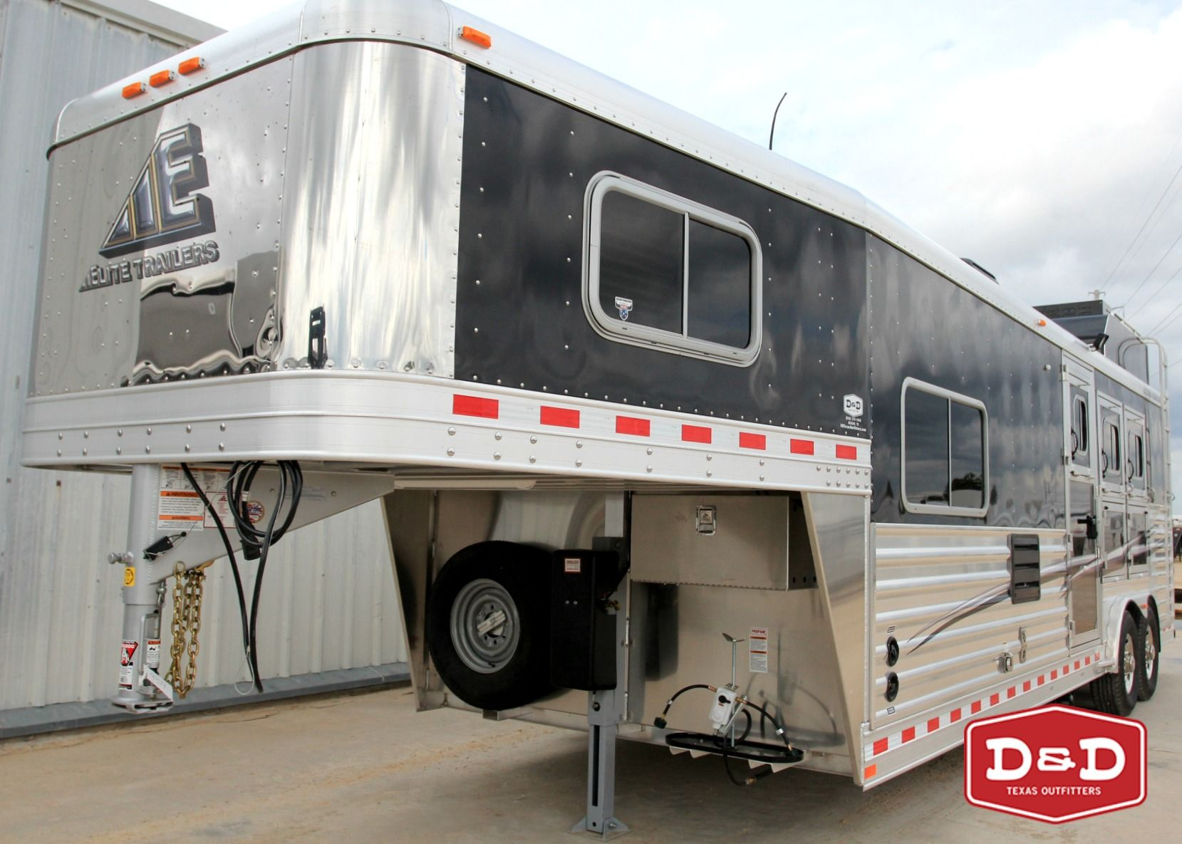 https://www.ddfarmranchtrailers.com/ 450 in-stock trailers!! (830) 379-7340