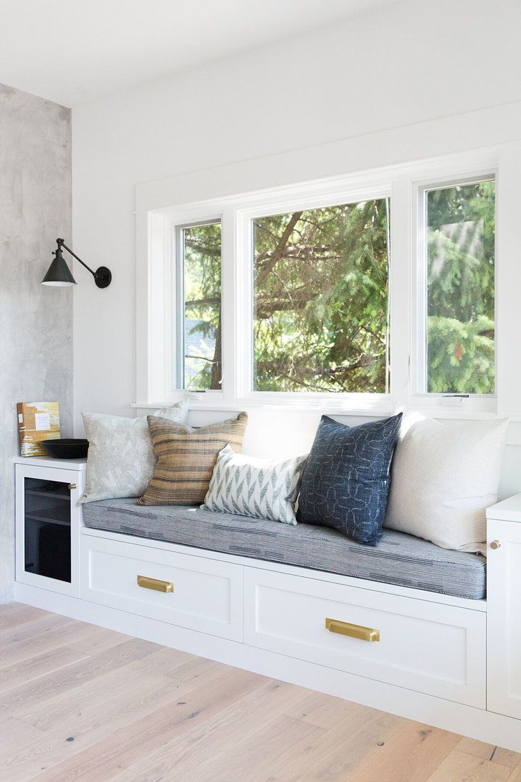 Mercer Island: Living Room + Entry Photo Tour