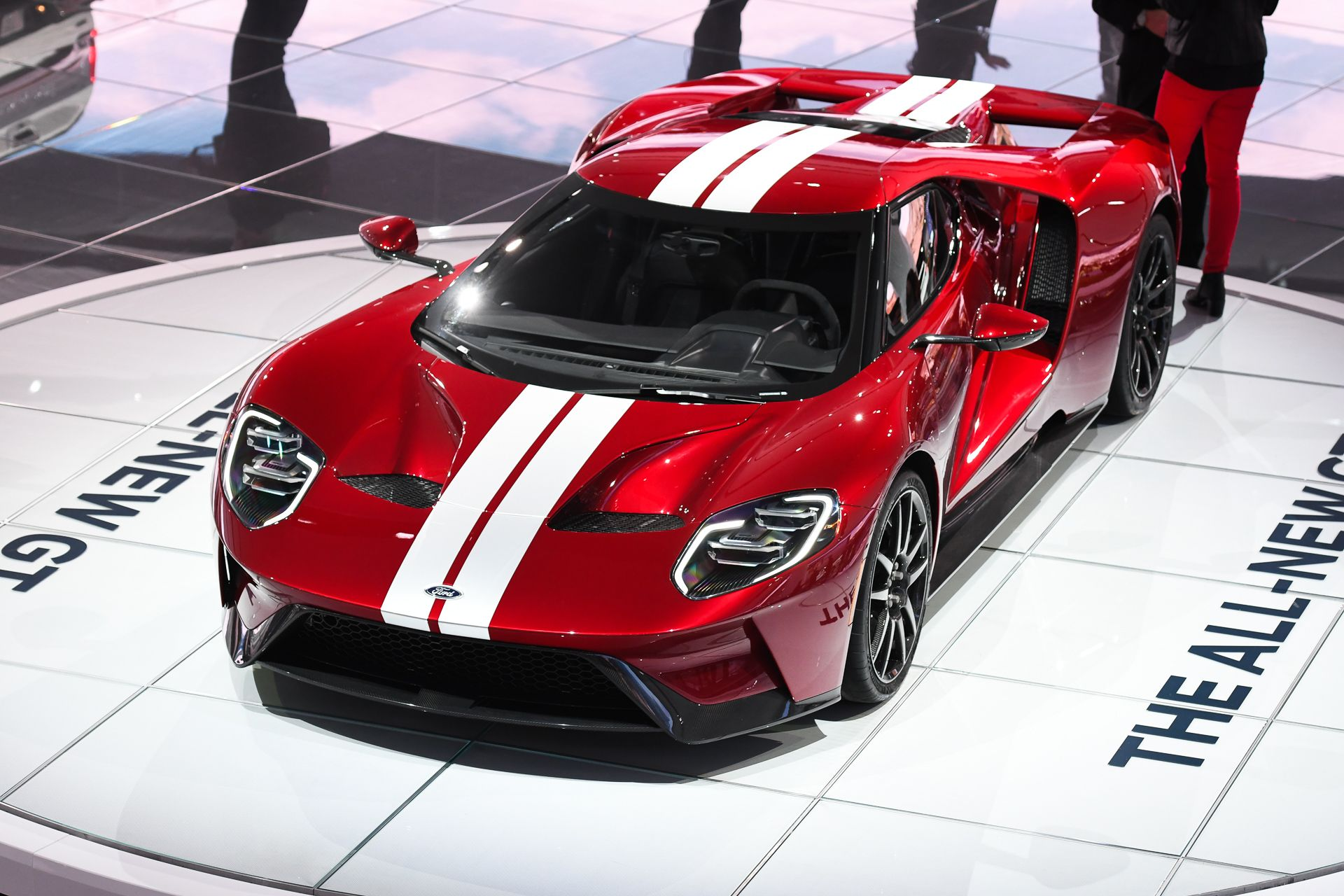 2017 Ford Gt Confirmed With 647 Hp 216 Mph Top Speed Ford Gt