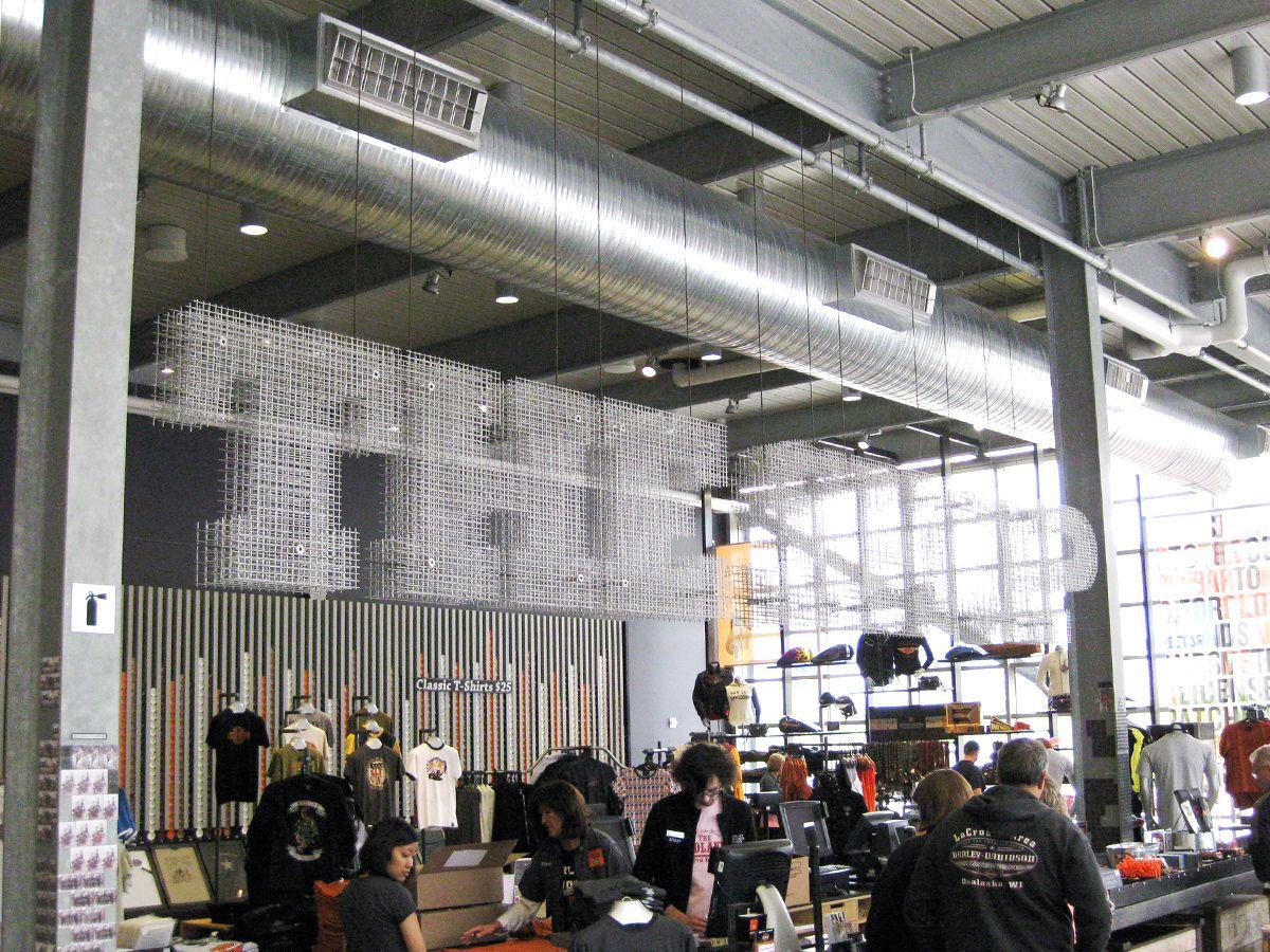 Proyecto con malla metálica - Harley-Davidson Museum - The Shop.