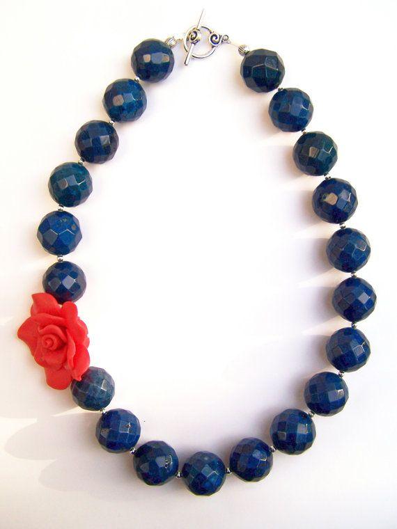 Collar Náutico Azul Con Rosa Roja