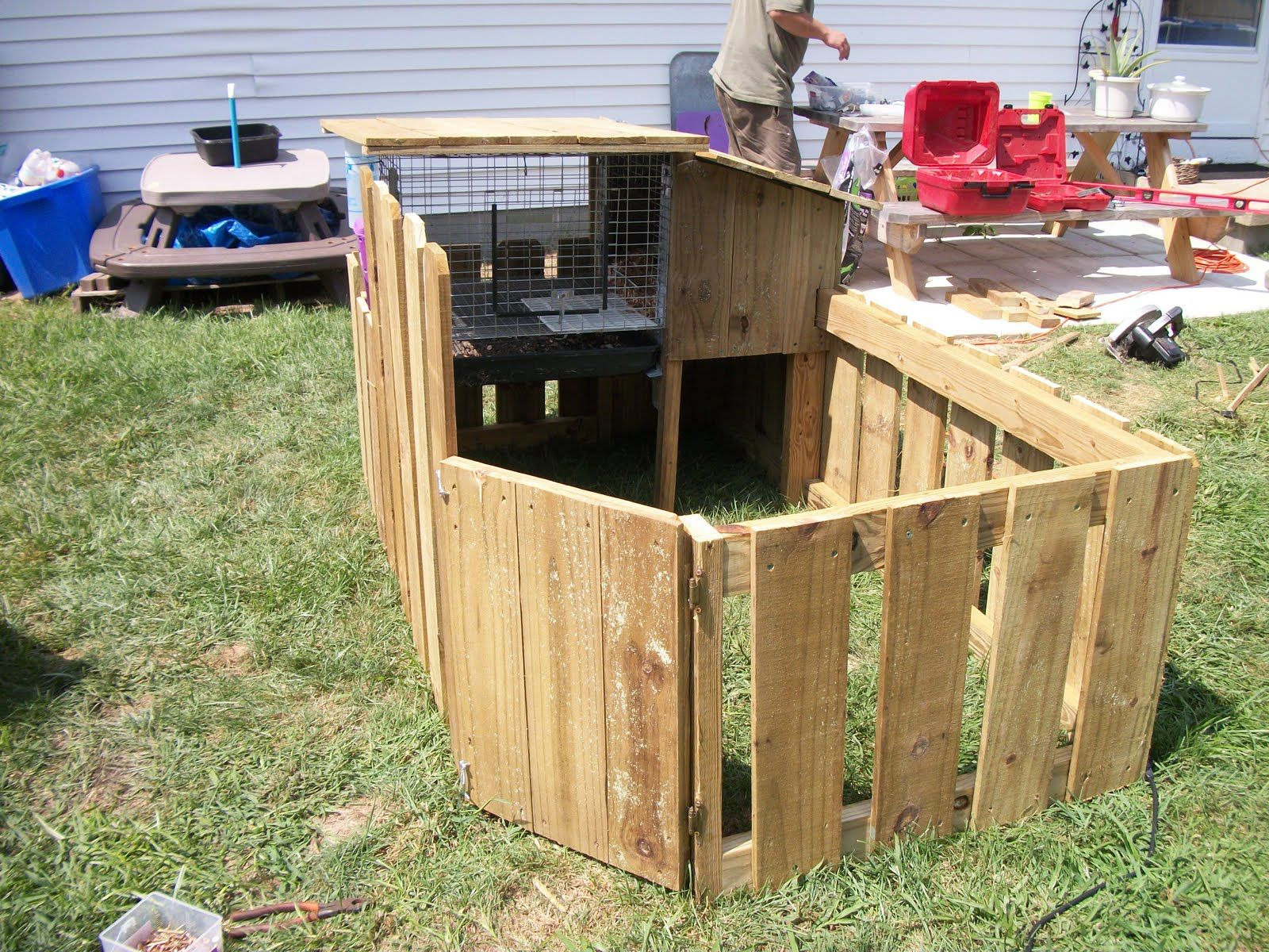 Rabbit hutch plans with run plans diy free download for Diy hutch plans