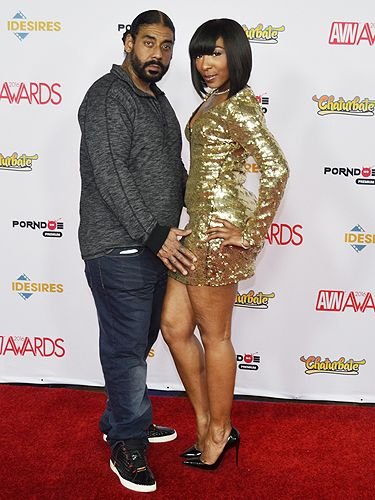Suave Xxx And Roxy Reynolds  2016 Avn Awards Red Carpet -4747