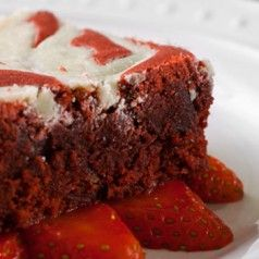 White Chocolate Red Velvet Brownies. Perfect for #Valentine's Day!