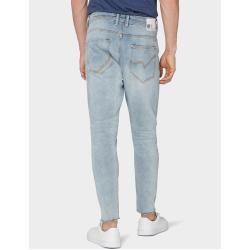 Tapered Jeans für Herren #goingoutoutfits