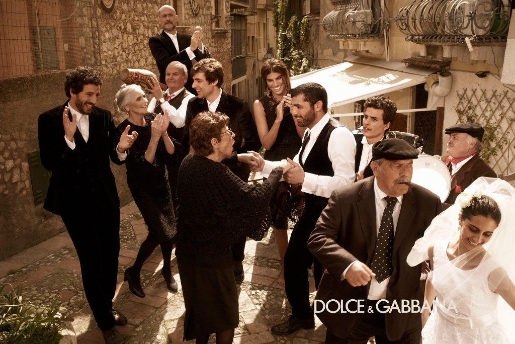 Dolce Gabbana Fall Winter 2017 18 Campaign Fashion Join The Campaigns Pinterest And