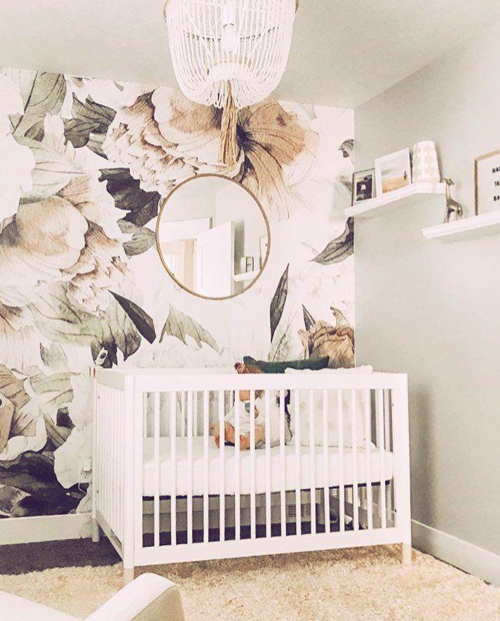 G l a m o r o u s babyletto gelato crib nursery for Decorazioni pareti cameretta neonato