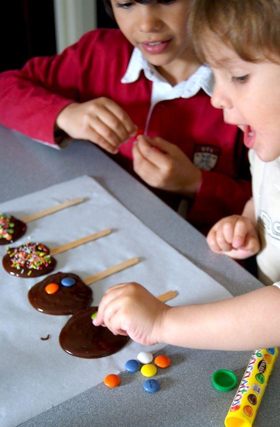 Piruletas De Chocolate Resultados De La Búsqueda Piruletas De Chocolate Comidas Para Fiestas Infantiles Recetas Para Niños