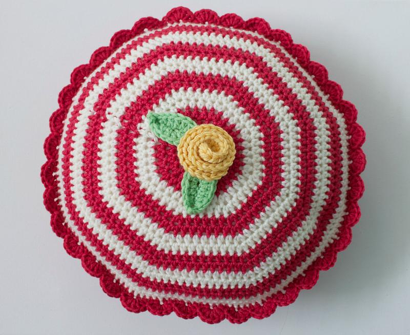 Milk-de-rosa   Crochet Cushion   Pinterest   Häkeln und Handarbeiten