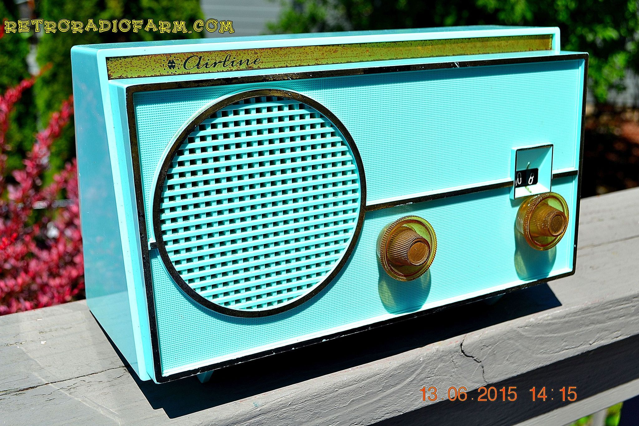 "SEA GREEN Mid Century Retro Jetsons 1959 Airline Model GEN-1722A Tube AM Radio Works! DIMENSIONS: Approximately 10"" x 6"" x 6"" (l x w x h) COLOR: Sea green. A little more green than blue YOUTUBE VIDEO"