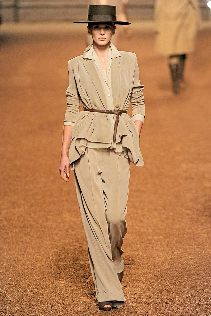 Hermès Spring 2011 Ready-to-Wear Collection Slideshow on Style.com