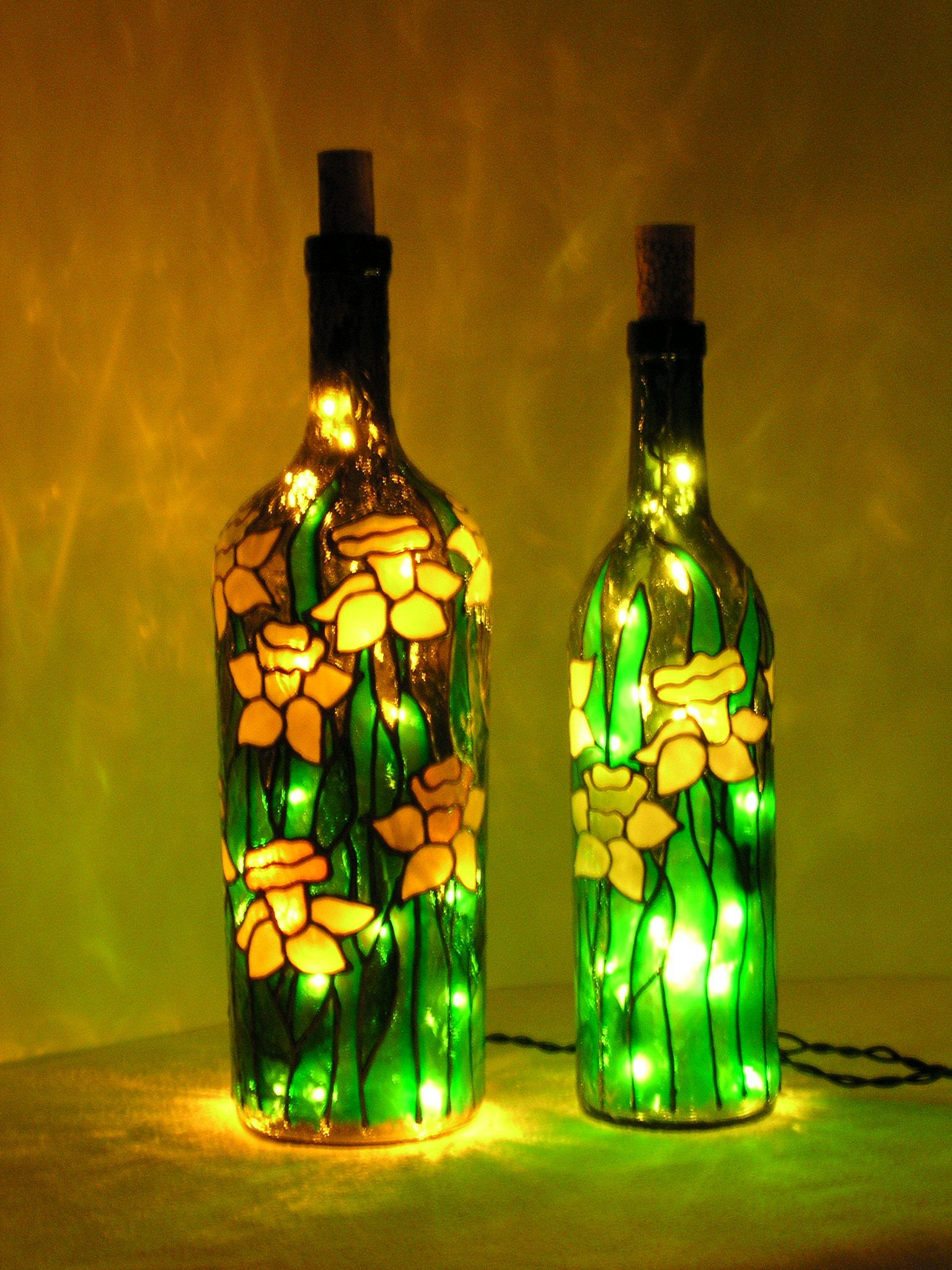Daffodils Stained Glass Bottle With Lights Glass Bottle Crafts Wine Bottle Crafts Wine Bottle Art