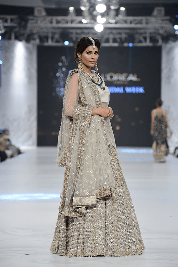 50 Best Wedding Outfits From Pakistan Bridal Fashion Week Frugal2fab Bridal Fashion Week Pakistani Fashion Indian Bridal Outfits