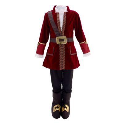 Questo fantastico costume di Capitan Uncino farà la felicità dei giovani pirati! La tunica in velluto rosso ha il collo alto e la finitura in broccato ed è completa di pantaloni neri e copriscarpe a forma di stivale.