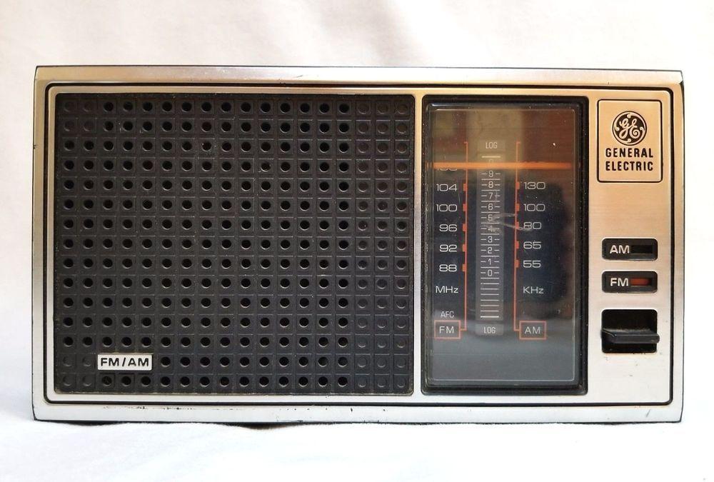 Vintage Ge General Electric Am Fm Radio Walnut Grain Finish 120 Volts 7 4115b Vintage Electronics Radio General Electric