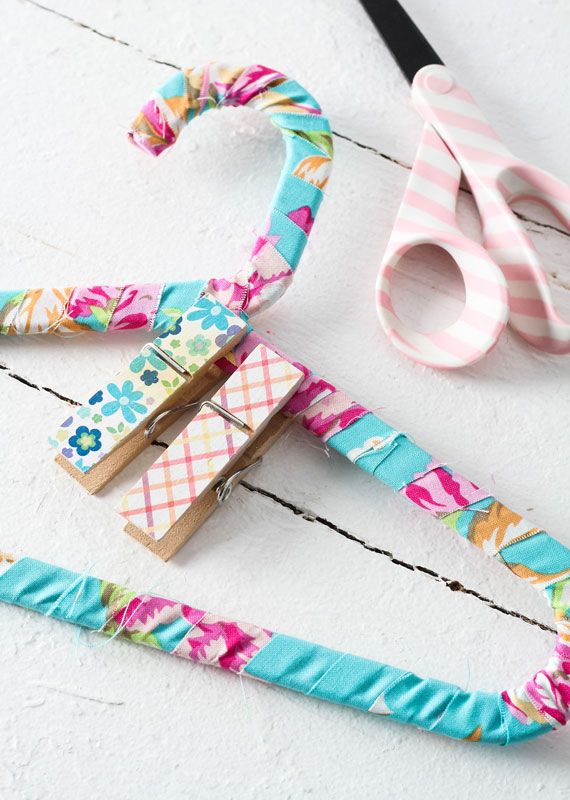 Baby Shower Craft Diy Fabric Wrapped Hangers Con Imagenes