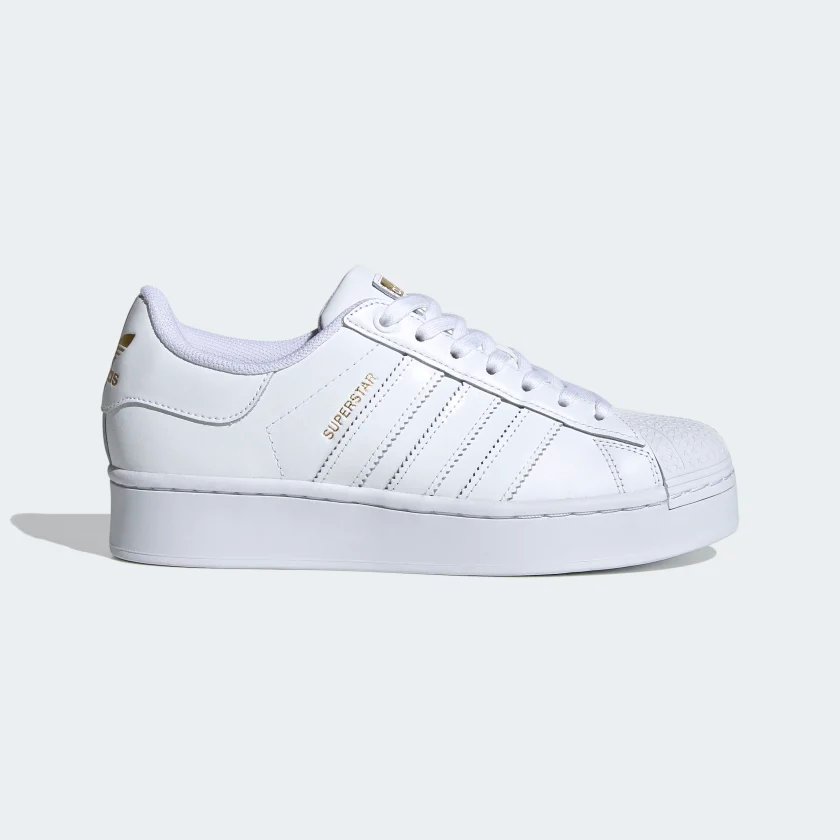 Maestría Injusto Acercarse  Superstar Bold Women's Shoes Cloud White / Cloud White / Gold Metallic  FV3334 | Adidas superstar, Women shoes, Bold shoes