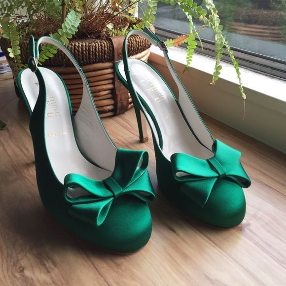 Beautiful Green Slingback Heels With A Bow Brand New Something Bleu Emerald Satin