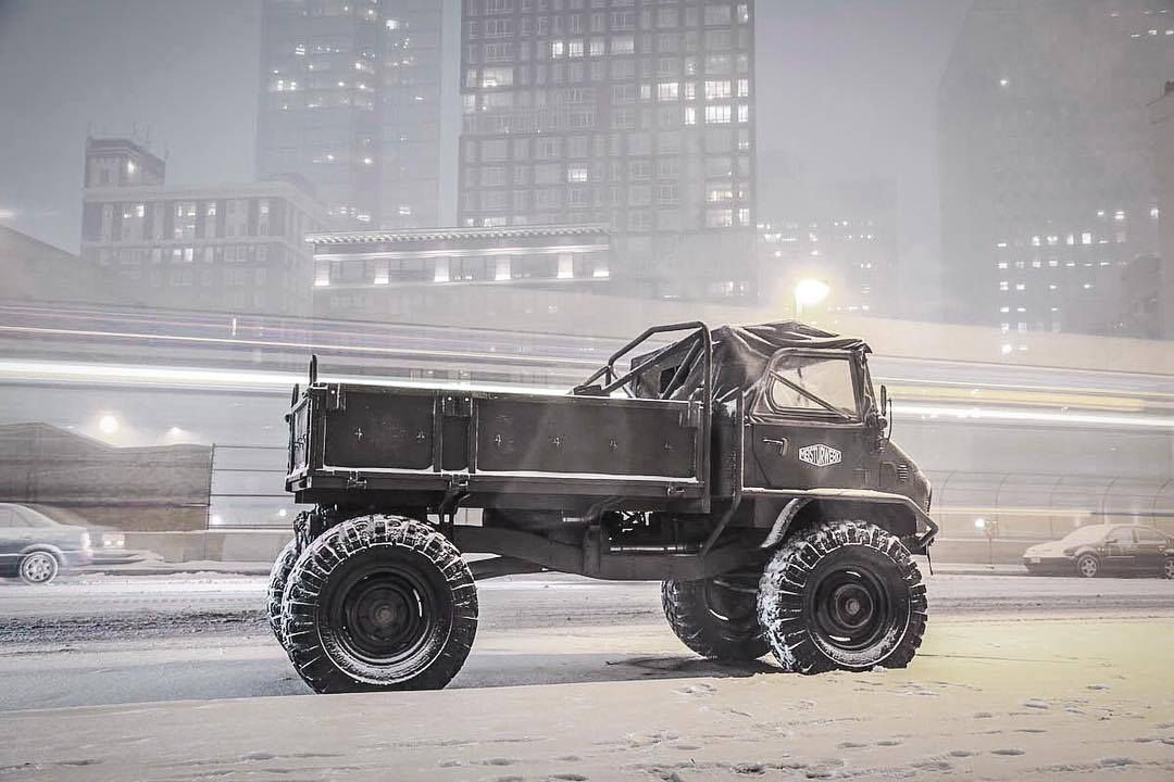 Unimog 404 custom unimog by button built vehicles for Mercedes benz portal axles