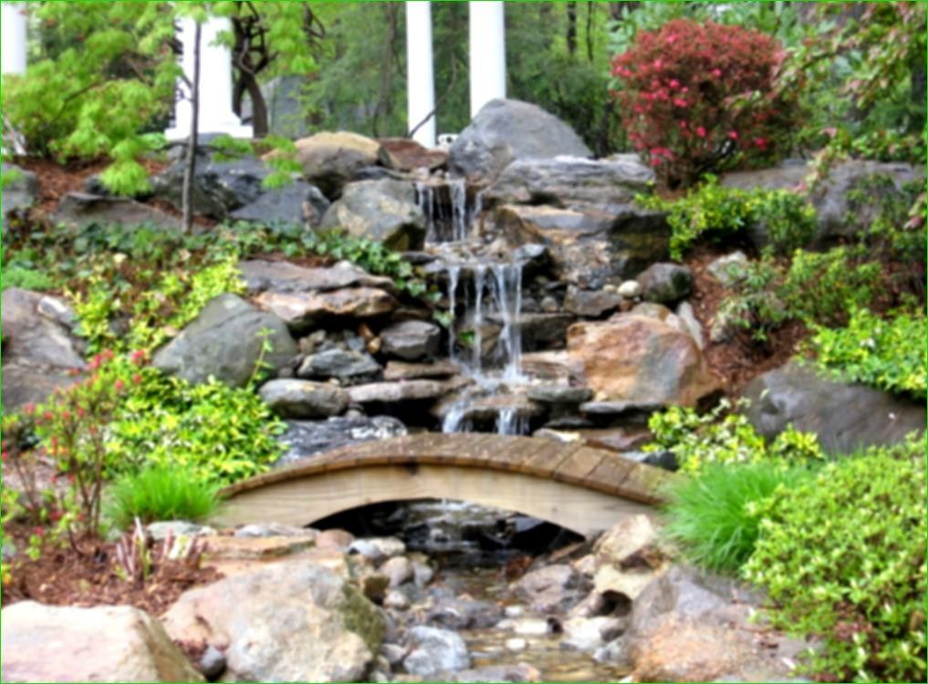 40 Awesome Small Backyard Pond with Lawn Ideas | Outdoor ...
