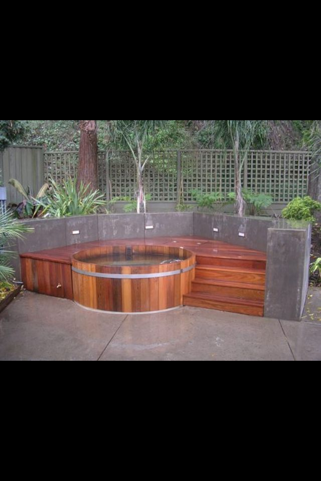 Awesome hottub