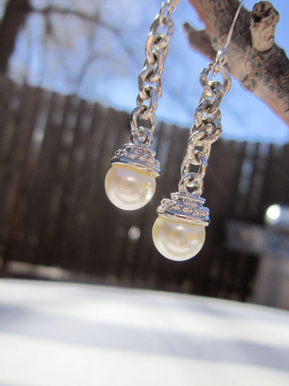 Pearl Dangle Earrings. $10.00, via Etsy.