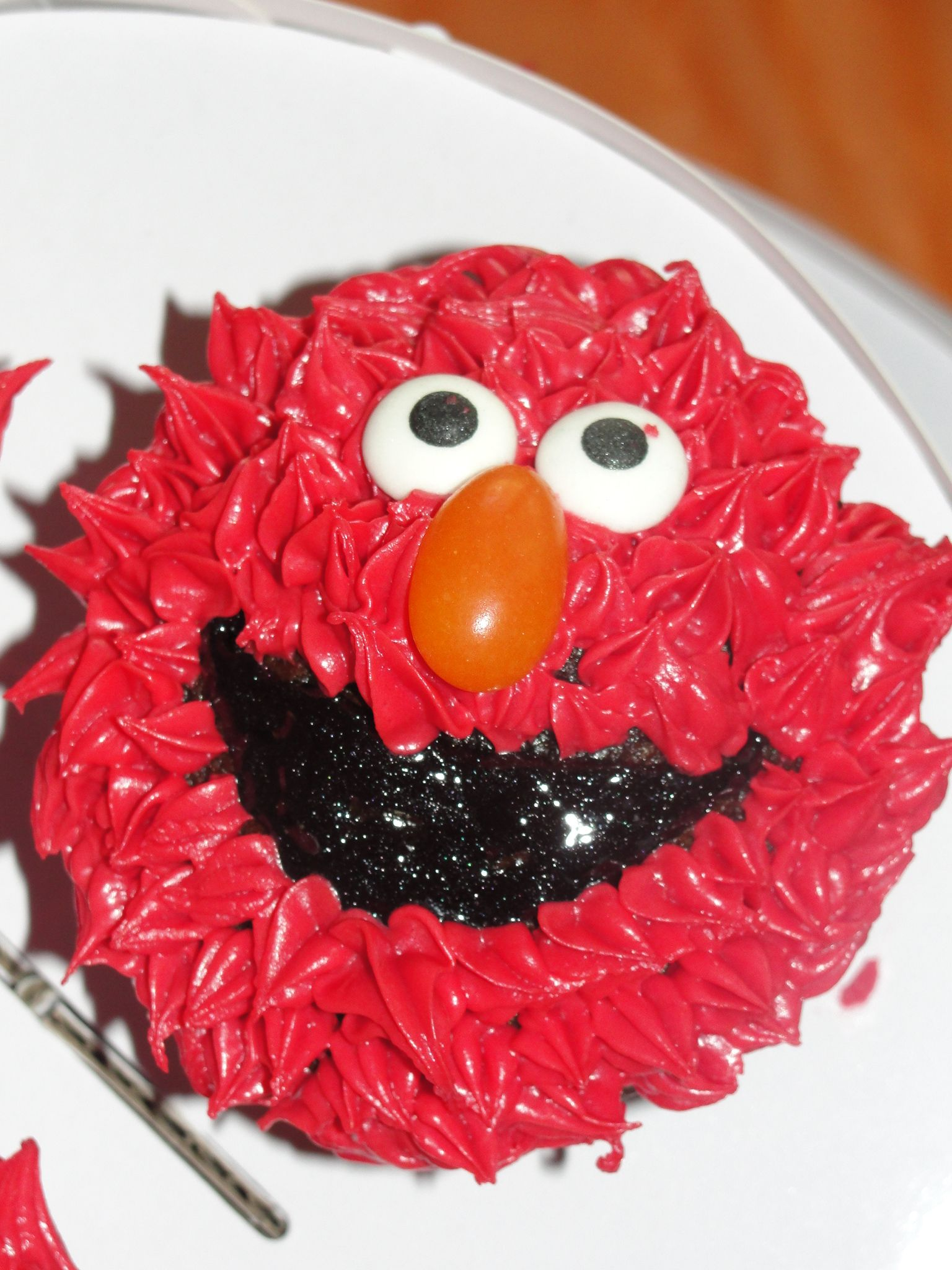 Elmo cupcakes for caras birthday 1 year they were so